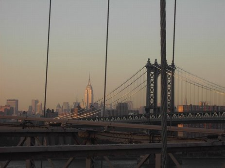12NY - Brooklin Bridge1.jpg (23692 bytes)