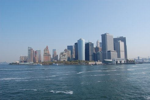 13NY - Manhattan skyline.jpg (24449 bytes)