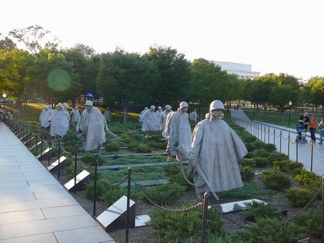98DC - Korea Memorial.jpg (41181 bytes)