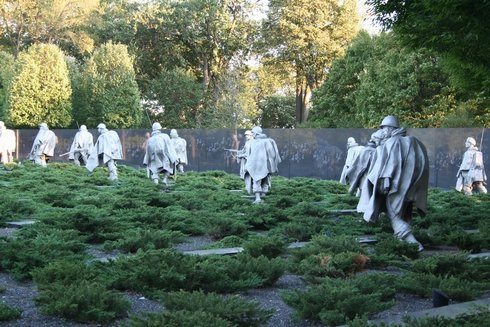 98DC - Korea Memorial2.jpg (62822 bytes)