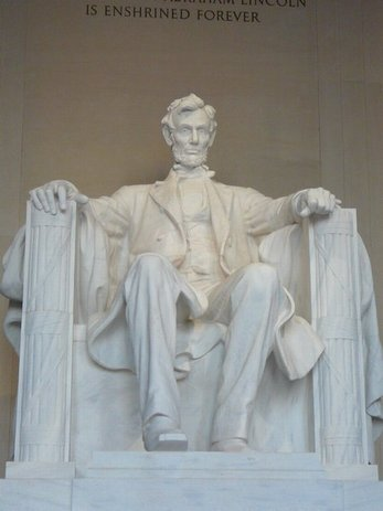 98DC - Lincoln Memorial2.jpg (23431 bytes)